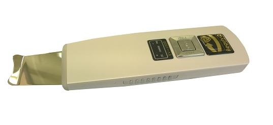 Портативный аппарат для ультразвуковой чистки лица BeautyQ skin scrubber